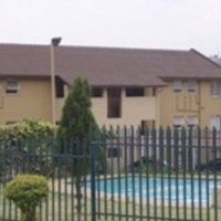 Alan Manor 2 bedroom upstairs townhouse for rent: R4950