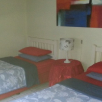 Sonskyn 2 slaapkamer huis 6 tot 8 slaper Suidkus KZN
