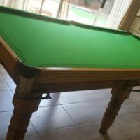 SOLID OAK HALF SIZE SNOOKER / POOL TABLE