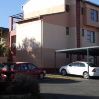 UNIT TO LET IN EDENGLEN