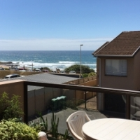 A seaview only a stones throw from the beach