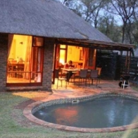 BAKUBUNG 6 SLEEPER SELF CATERING UNIT TO LET 07/04/2017 - 14/04/2017