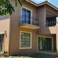 Executive lifestyle choice in exclusive complex, ultra elite Southbroom – 4 Bedrooms – R3,79m