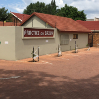 BEAUTIFULL OFFICES FOR SALE ON SAXBY AVE, ELDORAIGNE, WITH MAIN ROAD VISIBILITY!!