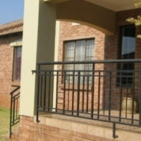 3 bedroom simplex in Falcon Heights Mooikloof available 1 February 2017