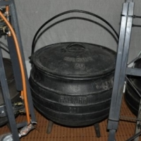 Iron cast Potjies (big) and double table burners