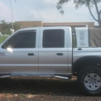 Ford Ranger 2.5 TD XLT D/C 4X4 with Canopy Model 2003 R89,900 Km208555 Trade-in's welkom Call Amanda