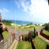 Stunning beachfront Property for sale! Foreshore Drive