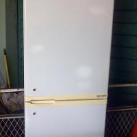 White DEFY 300 liter double door fridge freezer combination (fridge top) in good condition.