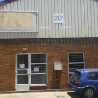 280 m2 FACTORY TO LET IN ANDERBOLT IN COMPLEX
