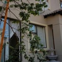 STUNNING TOWNHOUSE IN MONTANA - 3 BEDROOM 2 BATHROOM 2 GARAGES
