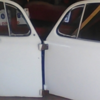 Beetle rite and lefe door with windos both for R600