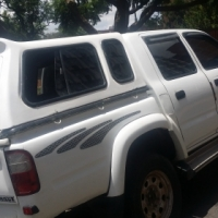 Toyota Hilux 2.7i 2002 Canopy Excellent Condition
