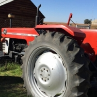 S1821 Red Massey Ferguson (MF) 188 2x4 Pre-Owned Tractor