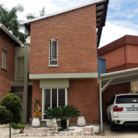 Modern 3 bed 3 bath Townhouse for sale