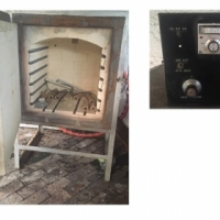 Front loading 5 cubic foot pottery kiln (hardly used)for sale (and new moulds) - 3 phase electricity