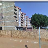 1,5 Bedroom Flat In Danie Theron Str, Pretoria North, For Sale