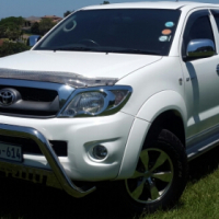 2010 toyota hilux 2.7 vvti double cab+canopy(Accident free)