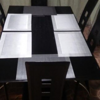 6 seater dining room set.