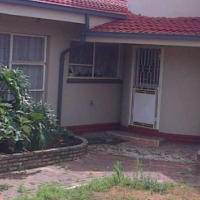 ** Space / 4 Beds (all MES) and more! Sunward Park