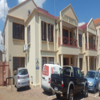 A grade offices to rent on Ontdekkers Road Florida