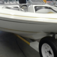 Viking Velcity 6 seater with 115 Evinrude e-tec , done only 340 hours , very clean and ready to roll