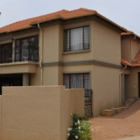 For Rent: Fully Furnished Double Storey 4 Bedroom House in Wild Avenue Villas in Waterkloof, close t