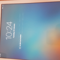 I-Pad Air 16GB Wi-Fi + Cellular with cover, box and charger