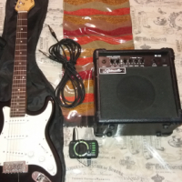 Electric guitar with amp and accesories