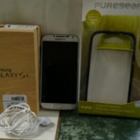 Samsung Galaxy S4 with Puregear Cover