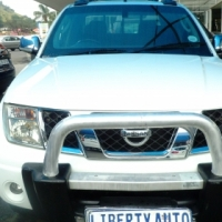 2009 Nissan Navara 2.5 Double Cab Bakkie Reverse Camera, 135,165km Cloth Upholstery, Bull Bar, Side