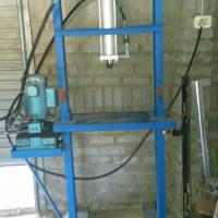 Hydraulic Press +- 80 Ton