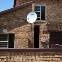 Town house for rent in Honeydew No deposit needed