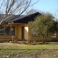 Tarlton Krugersdorp.  4 bed House R 7000 / pm.  On farm ...