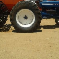 Ford Ford 5000 + 2 x Bypassende Ontbossing Rims