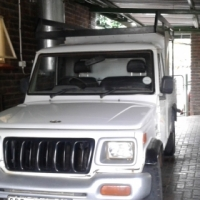 great white mahindra, with frame