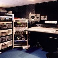Recording studio R100 000
