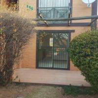 One bedroom ground floor unit to rent