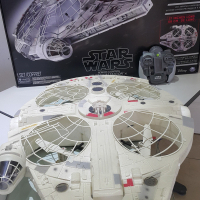 DRONE FOR SALE / OFFICIAL STAR WARS DRONE TOY / MILLENNIUM FALCON XL COLLECTOR'S ITEM