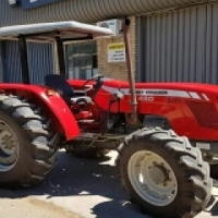 Massey Furgeson 440 4 x 4 Tractor