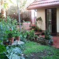 Waterkloof Gemeubileerde Eenman Woonstel / Furnished Studio Flat with small garden