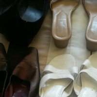 4 size 6 shoes for sale used for R200. Selling as a pack