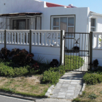 3 BEDROOM HOUSE WITH TWO BEDROOM HOUSE GRANNY FLAT
