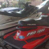 Jetskis Yamaha and Polaris