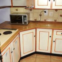Beautiful 2 or 3 Bedroom duplex on corner stand in Kenmare, Krugersdorp.