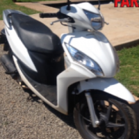S2680 White Honda Vision 125cc Scooter Pre-Owned Motorbike