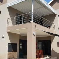 STUNNING HOUSE IN MAGALIESKRUIN IN UPMARKET ESTATES