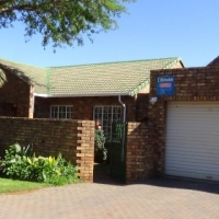 2 Bedroom Townhouse in Doornpoort  - R 820 000