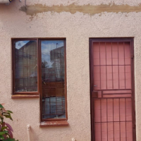 Bachelor/room to rent in Olievenhoutbosch ext. 36/Absa
