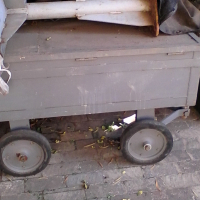 Steel trolley with vice & lockable lid.